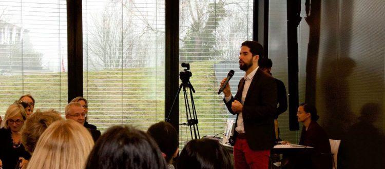 Ernesto Izquierdo presenting at an ICRC event
