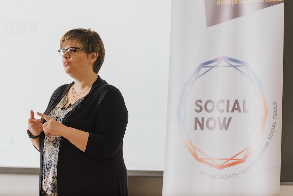 Femke Goedhart presents at Social Now 2018